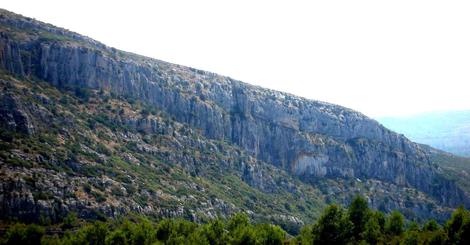 Murs, Les Coves